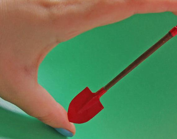 лопата миниатюрная